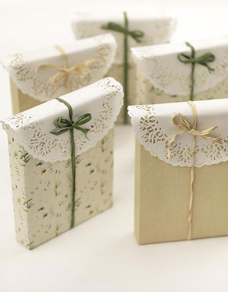 Pacchetto regalo con sottotorta